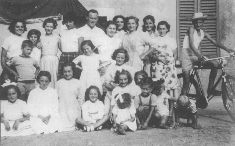 Giovani alla cascina Bertacciola