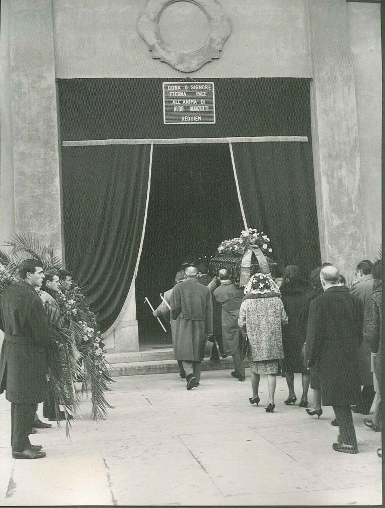 Ingresso della Chiesa di san Pancrazio nel 1963