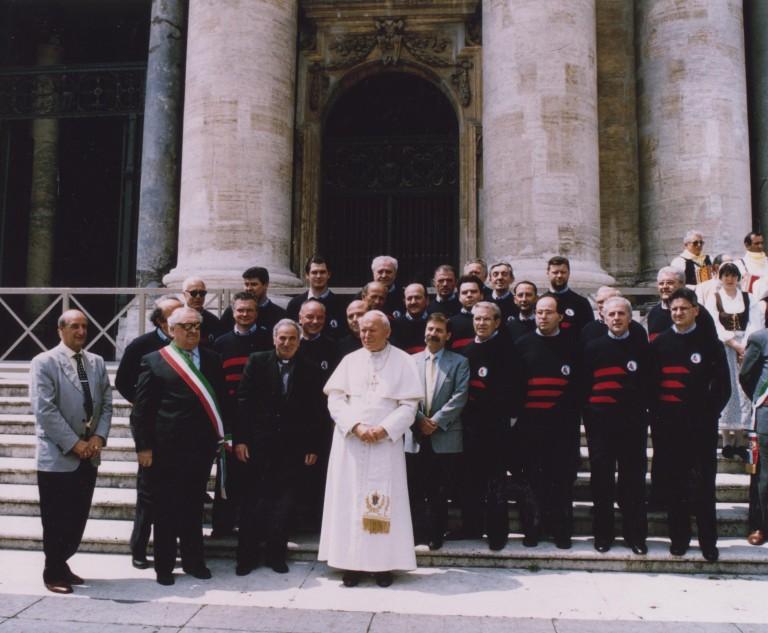 Il coro CAI in visita da Giovanni Paolo II